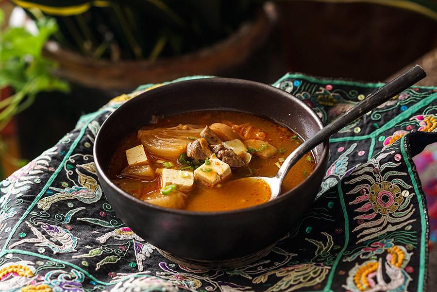 Soupe de boeuf au kimchi