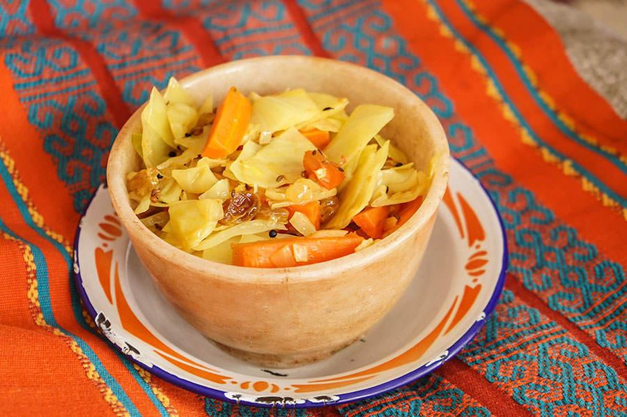 Chou et carottes étuvés au panch phoran