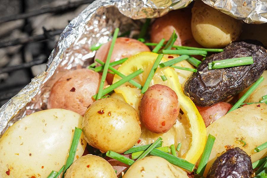 Patates grelots en papillote au merken et au citron