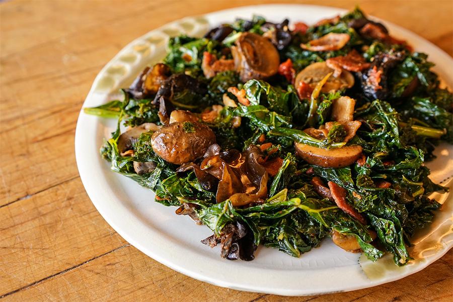 Chou kale au bacon et champignons