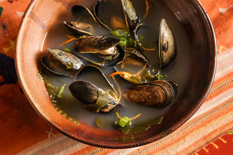 Soupe au kombu et aux moules