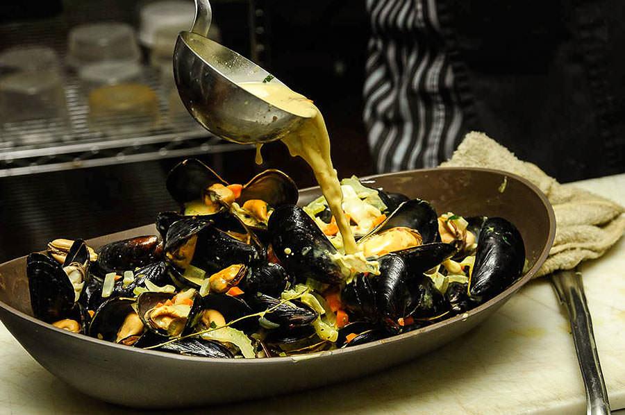 Moules marinières au meen masala