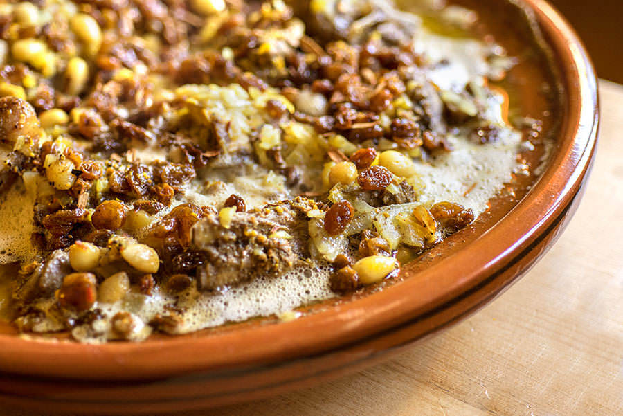 Mrouzia - Tajine d'agneau sucré-salé aux raisins et amandes