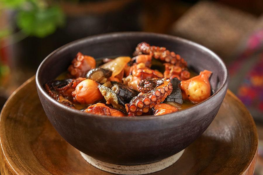 Cari de pieuvre et d'aubergine