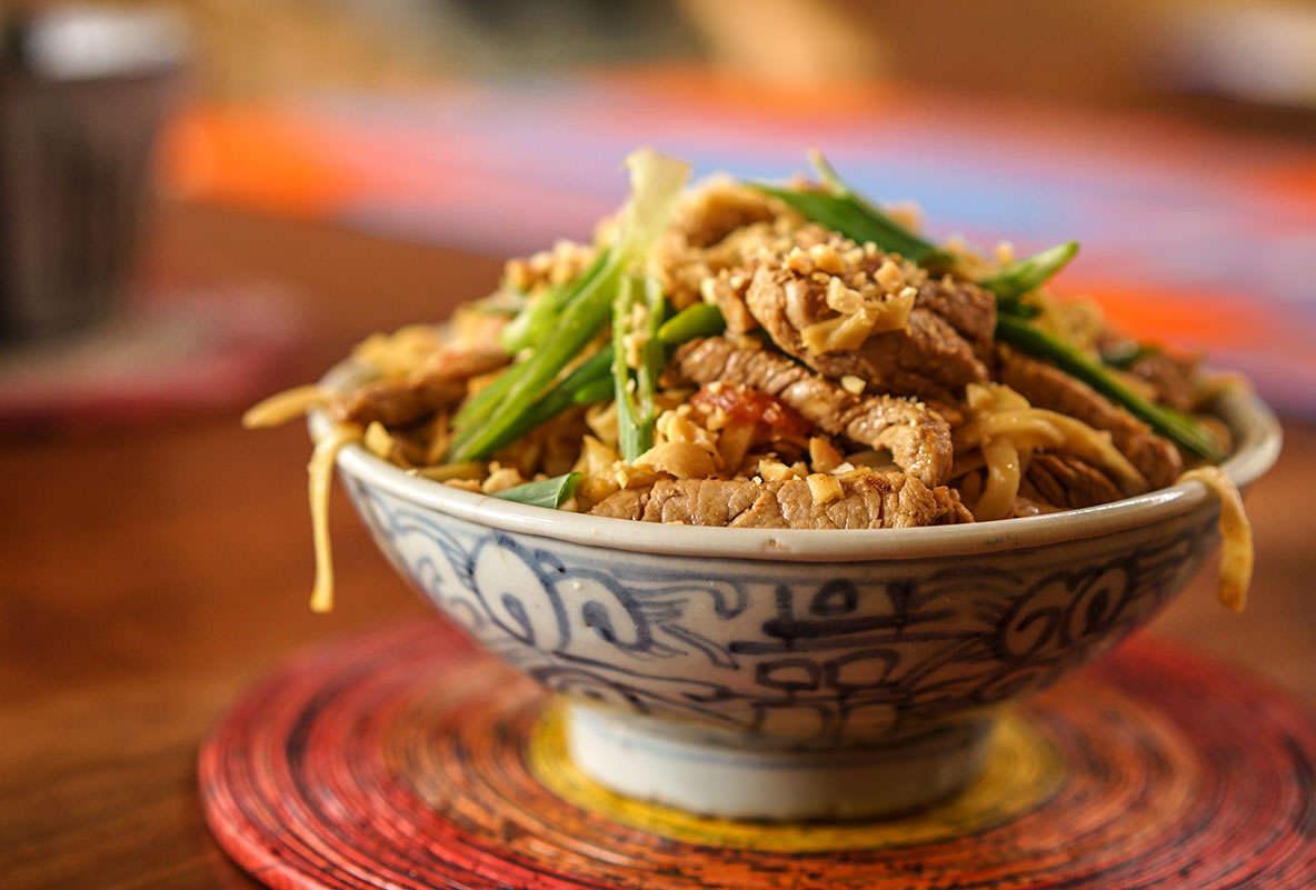 Chow Mein de porc aux arachides