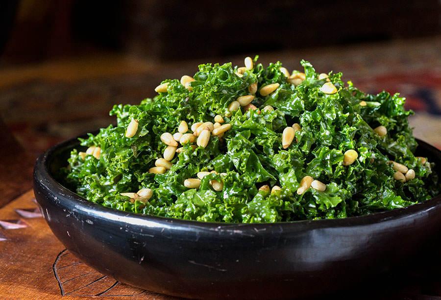 Salade de kale aux fines herbes