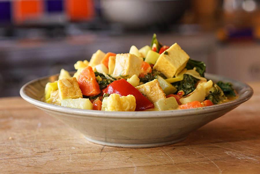 Cari de tofu et légumes balinais