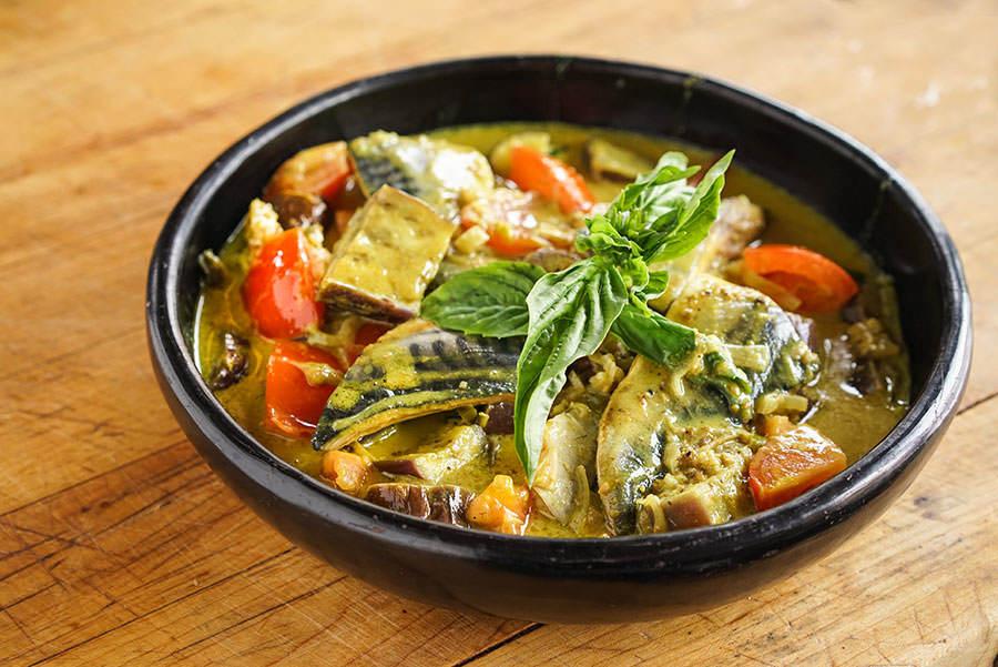 Cari de maquereau et d'aubergine