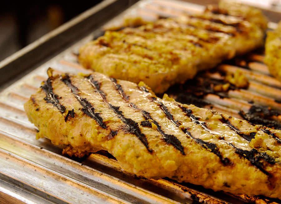 Côtelettes de porc grillées créoles