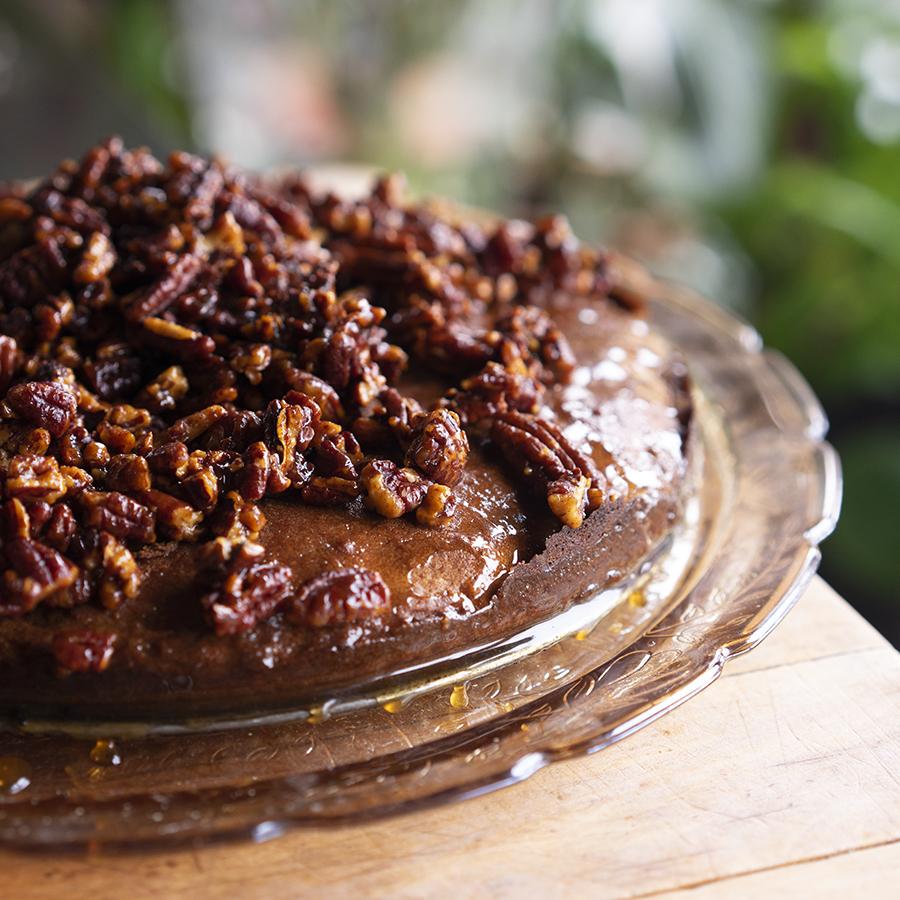 Gâteau de pacanes et miel à la cannelle
