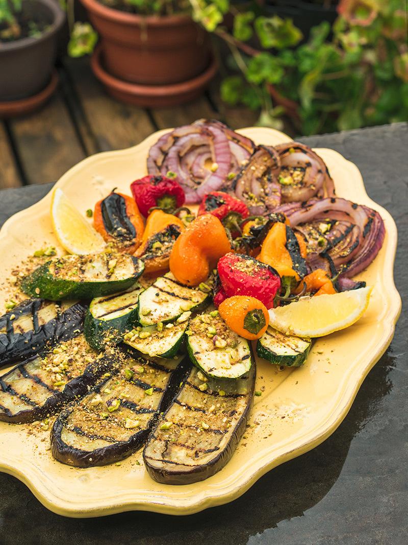 Légumes grillés et dukkha aux pistaches