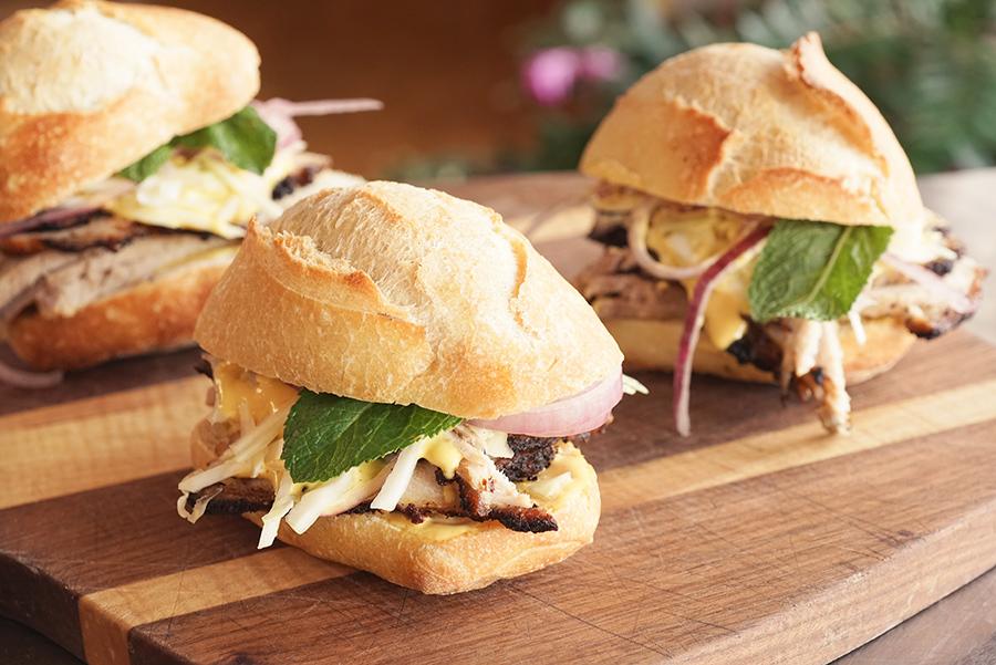 Sandwich de porc à la péruvienne